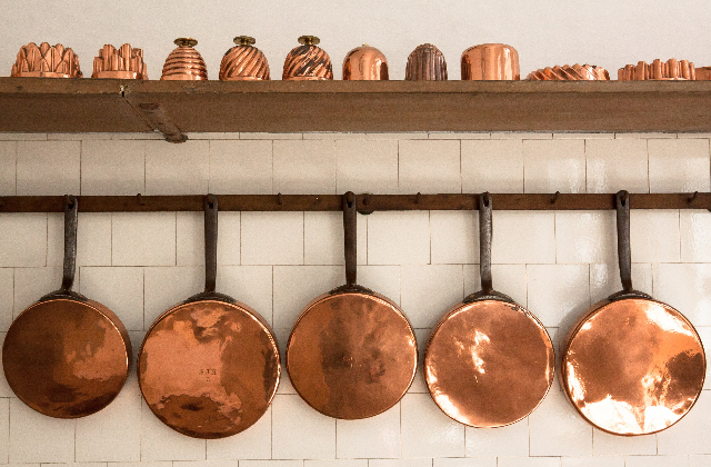 How to Clean Red Copper Pan