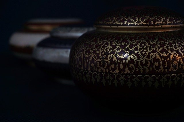 unique urns for human ashes