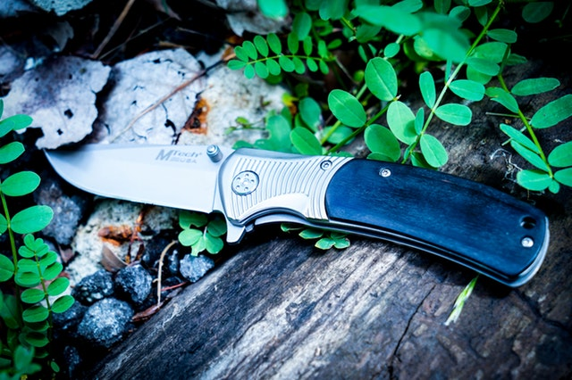 How to Use a Hunting Knife Sharpener