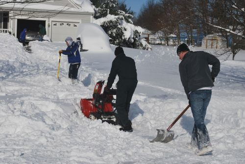 Can Snow Blowers Be Used on Gravel Driveways